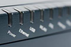 Parte dianteira do router sem fio com foco na potência Foto de Stock