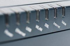 Parte dianteira do router sem fio - foco no Internet Fotos de Stock Royalty Free