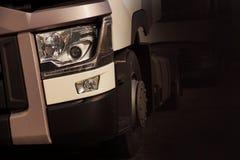 A parte dianteira do táxi do ` s do motorista Um fragmento de um emergi do caminhão fotos de stock royalty free