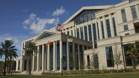 Parte dianteira do tribunal do Condado de Duval em Jacksonville, Florida video estoque