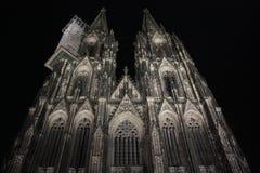 A parte dianteira ocidental da catedral da água de Colônia imagem de stock royalty free