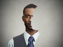 Parte dianteira surrealista do retrato com perfil cortado de um homem novo Imagens de Stock