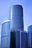 A parte do centro de negócio novo dos arranha-céus Fotografia de Stock