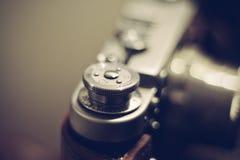 Parte do fim análogo da câmera do filme do vintage acima imagens de stock royalty free