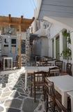 Parte exterior do taverna grego imagens de stock royalty free