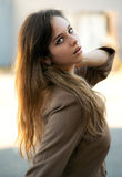 Parte externa modelo adolescente elegante Fotos de Stock Royalty Free