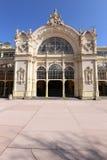 Parte frontal de edificio ornamental de la secesión fotos de archivo