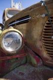 Parte frontale arrugginita del camion del retro di REO vagone di velocità Immagini Stock Libere da Diritti