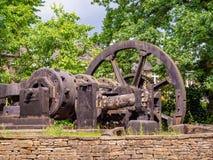 Parte gigante de maquinaria velha do metal e da madeira em Inglaterra foto de stock royalty free