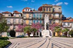 Parte histórica de la ciudad de Oporto en tiempo de primavera fotos de archivo libres de regalías