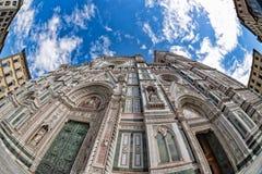 Parte inferior de la torre de la bóveda de Florencia encima de la visión Fotos de archivo libres de regalías