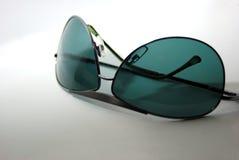 Parte inferiore degli occhiali da sole in su Immagini Stock