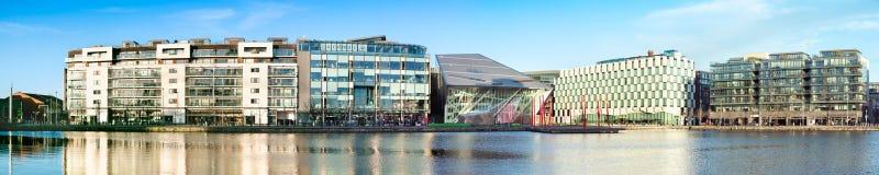 Parte moderna de docas de Dublin Docklands ou do silicone Foto de Stock Royalty Free