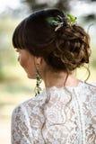 Parte posterior del pelo de la novia imagen de archivo