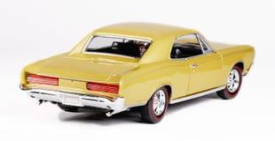 Parte posteriore dell'automobile del giocattolo della scala del metallo Fotografia Stock Libera da Diritti