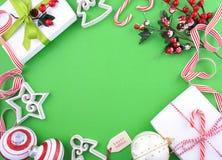 Parte posteriore verde, bianca e rossa festiva moderna di festa di Natale di tema Immagine Stock