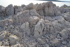 Parte rochosa da ilha de Krk Foto de Stock Royalty Free