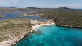 Parte superior aérea do zangão do mar das caraíbas da ilha de Bonaire da costa da praia do mar Imagem de Stock Royalty Free
