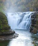 A parte superior cai no parque estadual de Letchworth Imagens de Stock Royalty Free