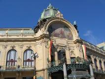 Parte superior da casa municipal em Praga Imagens de Stock