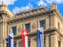 Parte superior da construção de Credit Suisse no quadrado de Paradeplatz imagem de stock royalty free