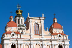A parte superior da igreja de St Casimiro em Vilnius Imagens de Stock