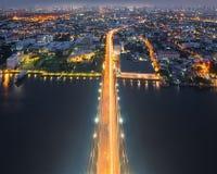A parte superior da ponte de Rama VIII, Banguecoque, Tailândia imagem de stock