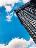 Parte superior de edificio de gran altura del negocio Imágenes de archivo libres de regalías