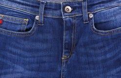 Parte superior de los vaqueros del bolsillo Fotografía de archivo libre de regalías