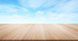 Parte superior de madeira vazia do assoalho da tabela para o produto da exposição ou da montagem Imagens de Stock