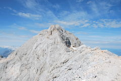 A parte superior de Triglav, a montanha a mais alta de Eslovênia Imagens de Stock Royalty Free