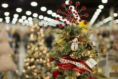 Parte superior de uma árvore de Natal no festival de árvores de Natal foto de stock royalty free