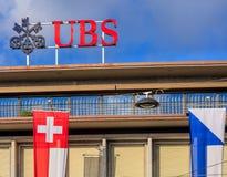 Parte superior del edificio de UBS en el cuadrado de Paradeplatz en Zurich Fotografía de archivo