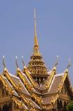 Parte superior dourada do palácio grande Imagens de Stock