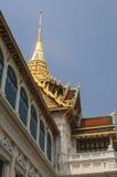 Parte superior dourada e céu azul Imagens de Stock