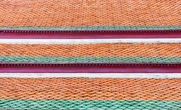 Parte superior tailandesa do telhado de telha do templo, fundo da textura foto de stock royalty free