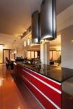 Parte superior vermelha da cozinha Fotografia de Stock Royalty Free