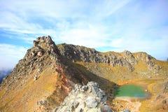 Parte superiore del Mt Yakedake, alpi del nord, Nagano, Giappone Immagini Stock