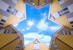 Parte superiore delle case cubiche a Rotterdam immagine stock