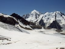 Parte superiore ghiacciata di una montagna 2 Immagine Stock