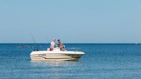 Parte traseira do barco na praia em uma competição da pesca de mar Imagem de Stock Royalty Free