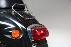 a parte traseira do 'trotinette' do vintage luz traseira da bicicleta motorizada velha fotos de stock
