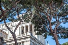 Parte trasera de Patria del della de Altare con los árboles Fotografía de archivo libre de regalías