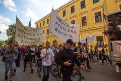 Partecipanti di marzo per la liberazione della cannabis Fotografie Stock