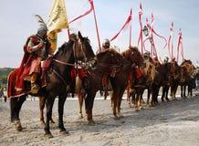 Partecipanti sul cavallo del festi storico militare immagini stock