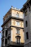 Parteggi nel sole di una costruzione importante a Trieste in Friuli Venezia Giulia (Italia) Fotografia Stock