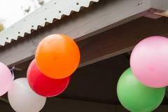 Partei-Ballonhängen Lizenzfreie Stockfotos