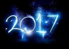 Partei mit 2017 Feuerwerken - neues Jahr-Anzeige! Lizenzfreies Stockbild