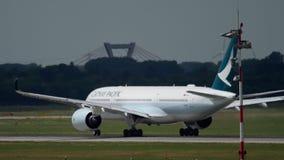 Partenza di Airbus A350 video d archivio