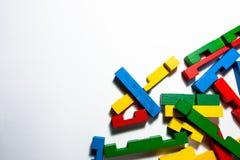 Partes coloridas do enigma no canto Foto de Stock